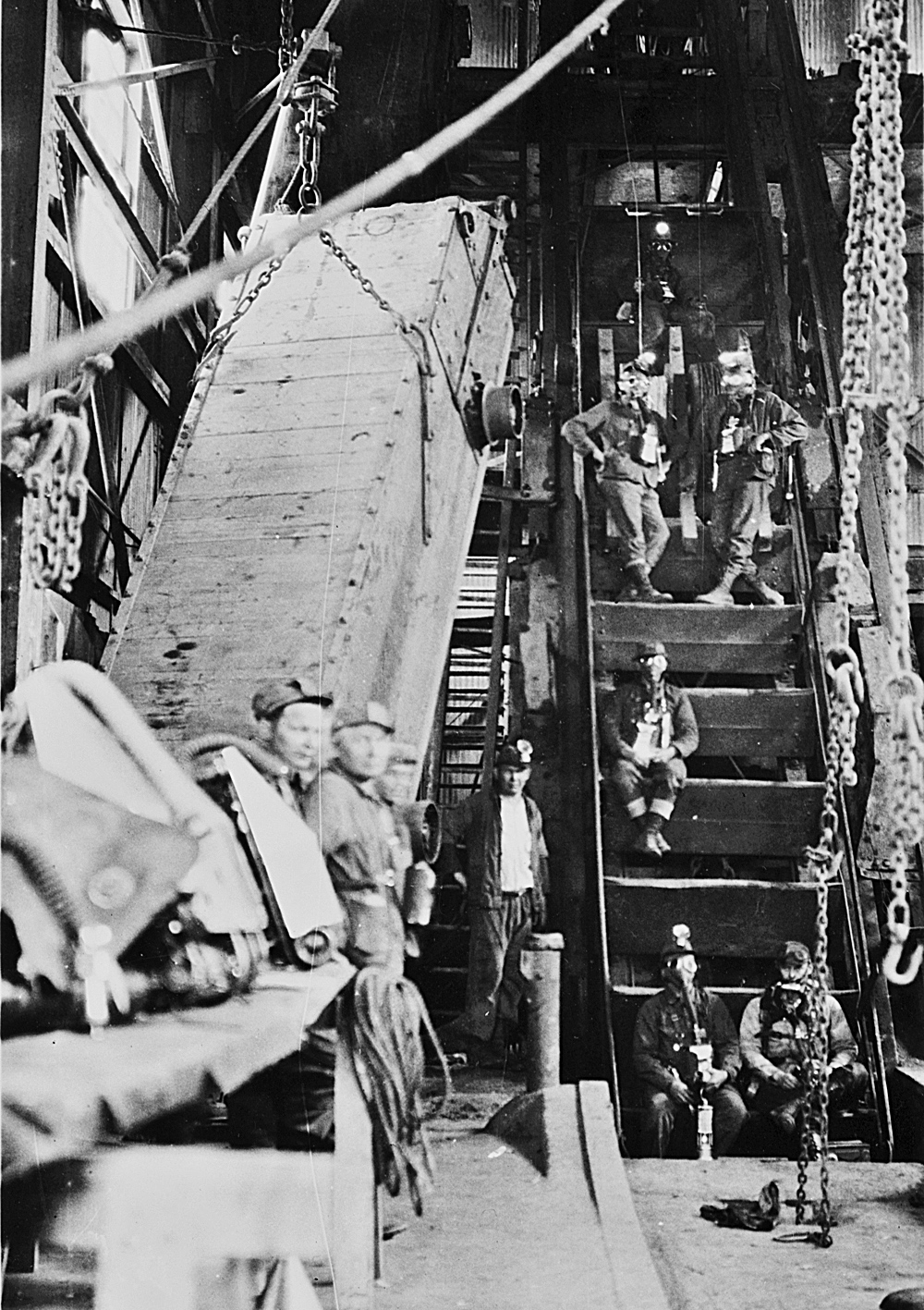 Inside the Quincy No.2 Shaft / Rockhouse In Operation