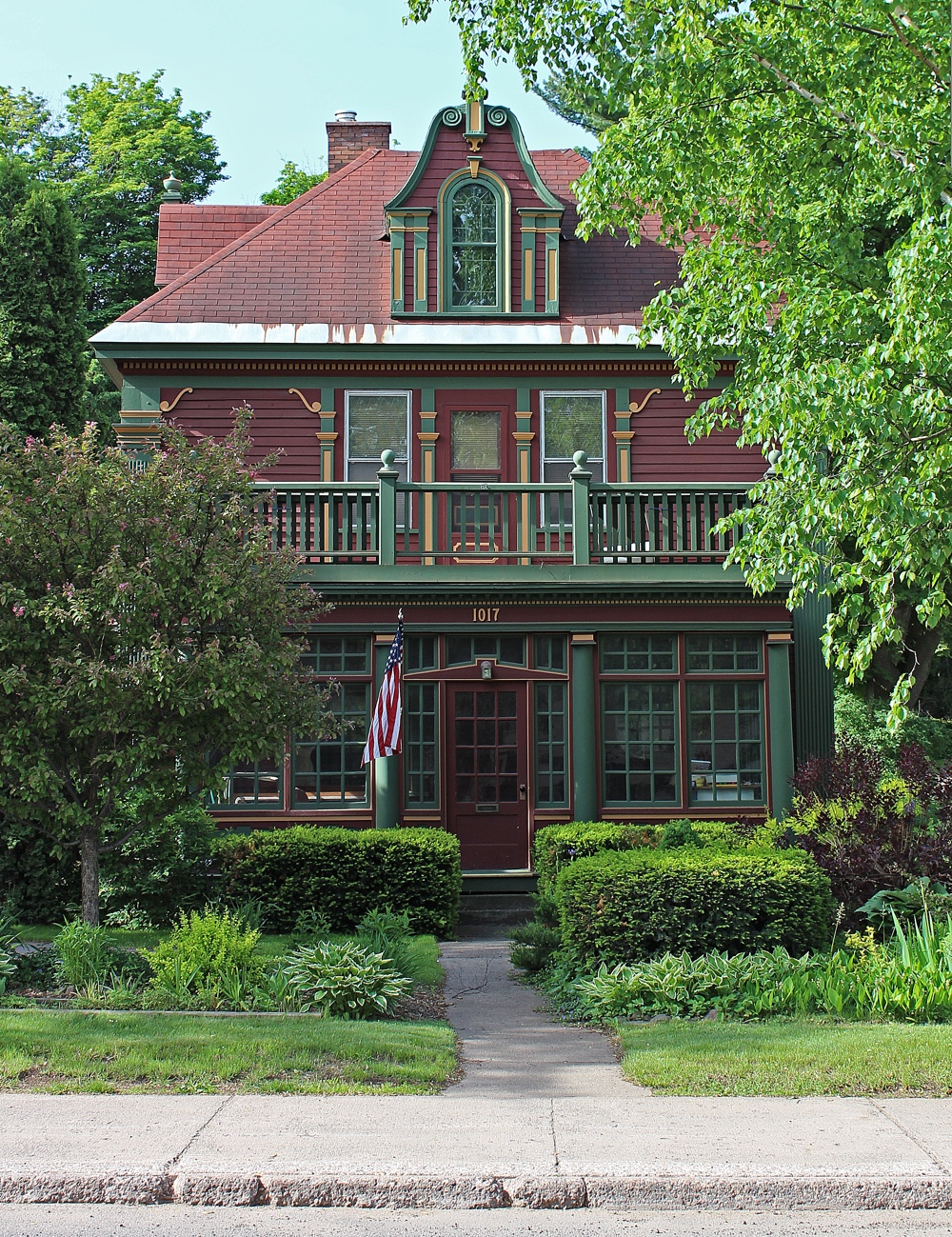 Dickens House, College Ave